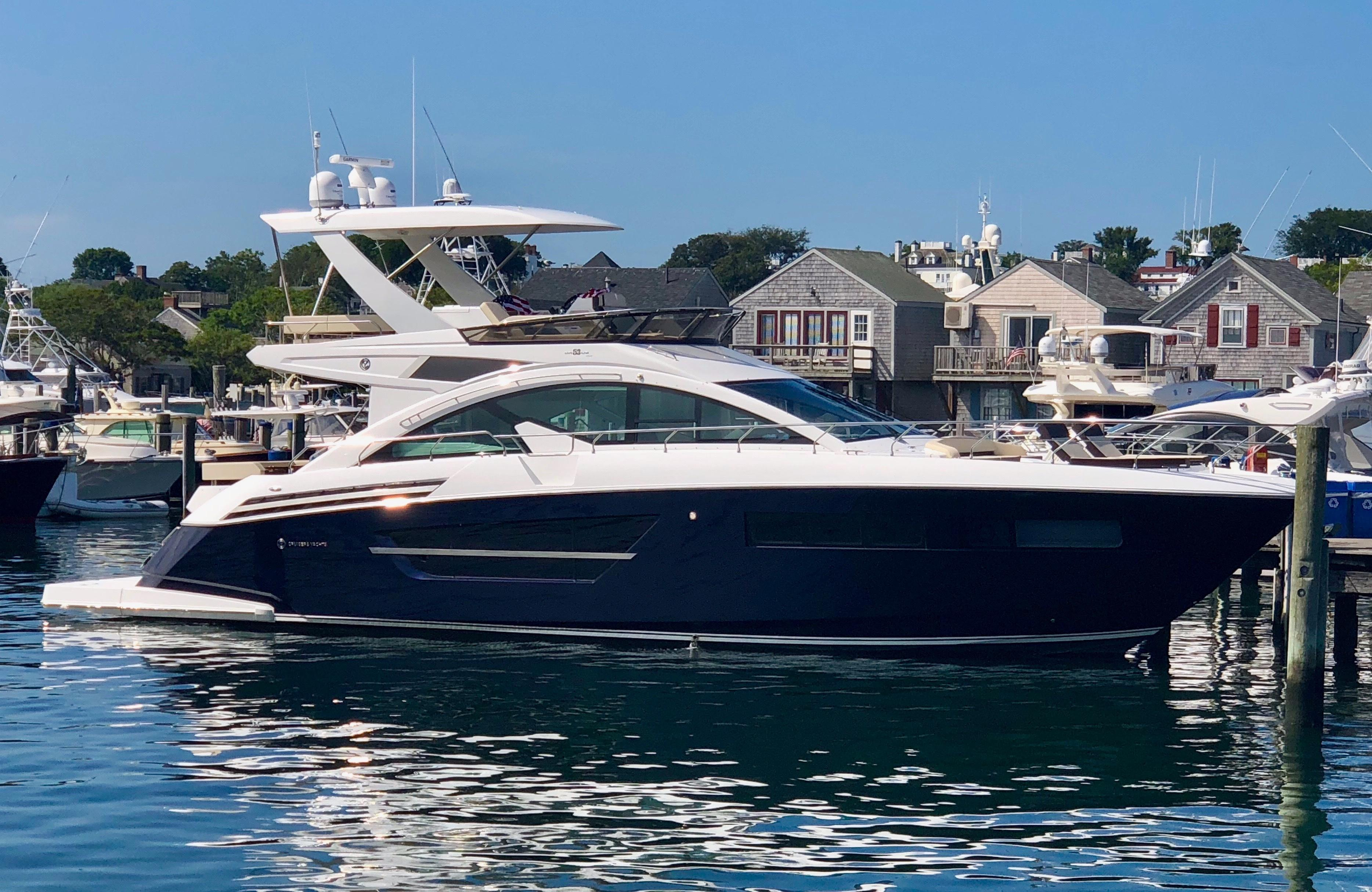 60 ft Cruisers Yachts 60 Fly