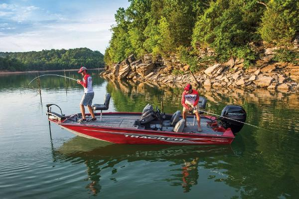 2019 Tracker Boats boat for sale, model of the boat is Pro Team 195 TXW Tournament Edition & Image # 14 of 45