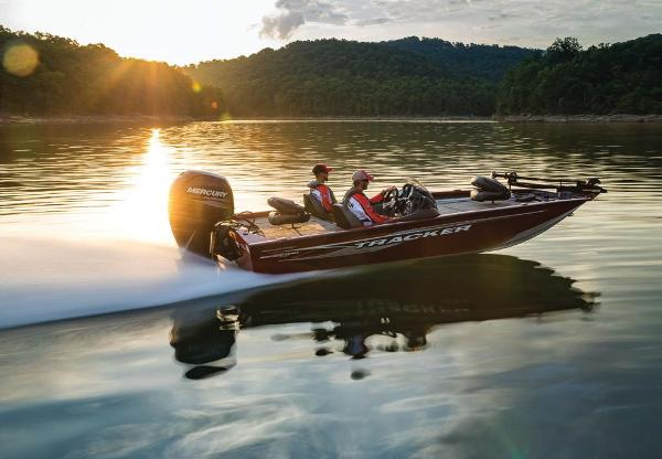 2019 Tracker Boats boat for sale, model of the boat is Pro Team 195 TXW Tournament Edition & Image # 10 of 22