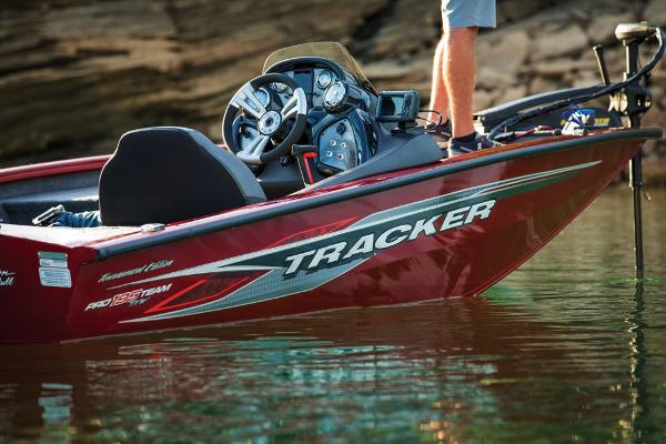 2019 Tracker Boats boat for sale, model of the boat is Pro Team 195 TXW Tournament Edition & Image # 14 of 22