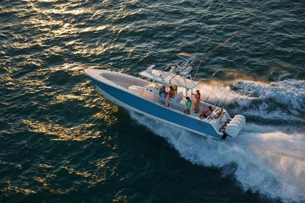 2020 Mako boat for sale, model of the boat is 414 CC Sportfish Edition & Image # 10 of 60