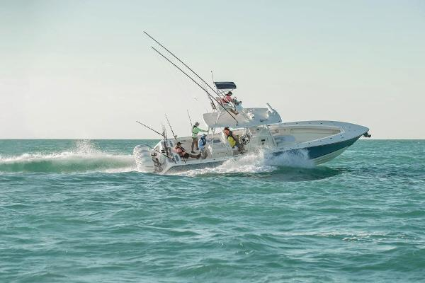 2020 Mako boat for sale, model of the boat is 414 CC Sportfish Edition & Image # 12 of 60