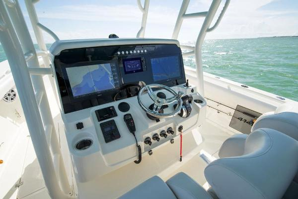 2020 Mako boat for sale, model of the boat is 414 CC Sportfish Edition & Image # 25 of 60