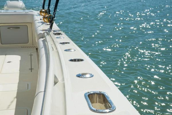2020 Mako boat for sale, model of the boat is 414 CC Sportfish Edition & Image # 27 of 60