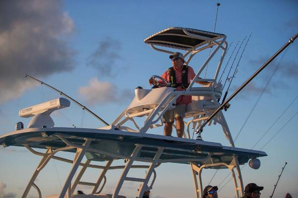 2020 Mako boat for sale, model of the boat is 414 CC Sportfish Edition & Image # 46 of 60