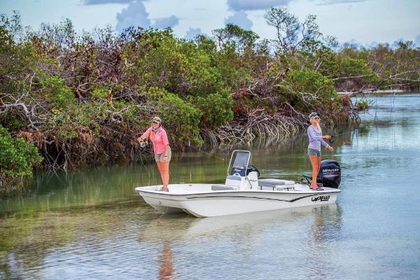 2019 Mako boat for sale, model of the boat is Pro Skiff 15 CC & Image # 4 of 44