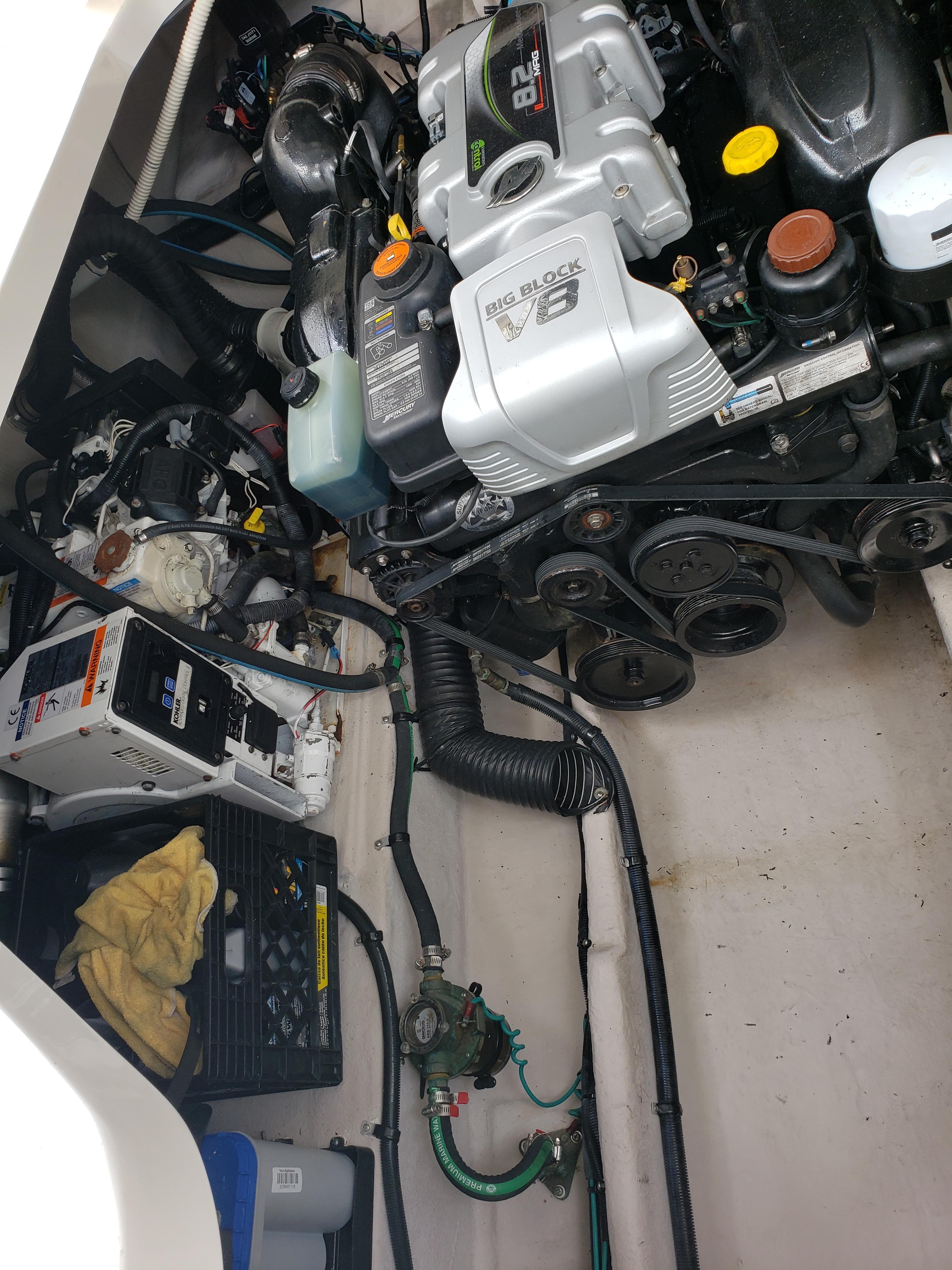 """Oasis Of The Seas Engine Room: 37 Sea Ray Sundancer 0 2014 """"Blue Crew"""""""