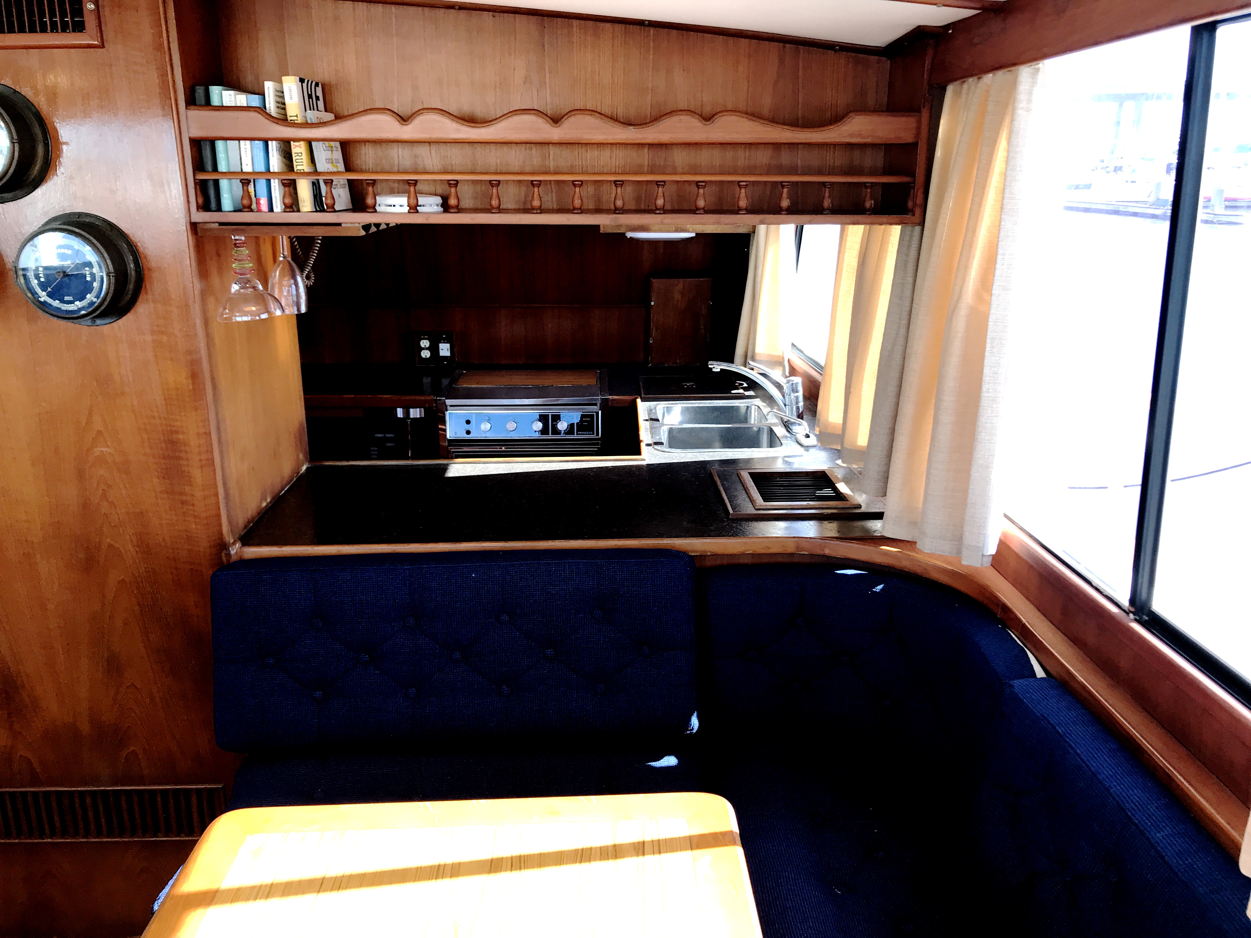 Sea Ranger SUNDECK - view aft to dinette and galley