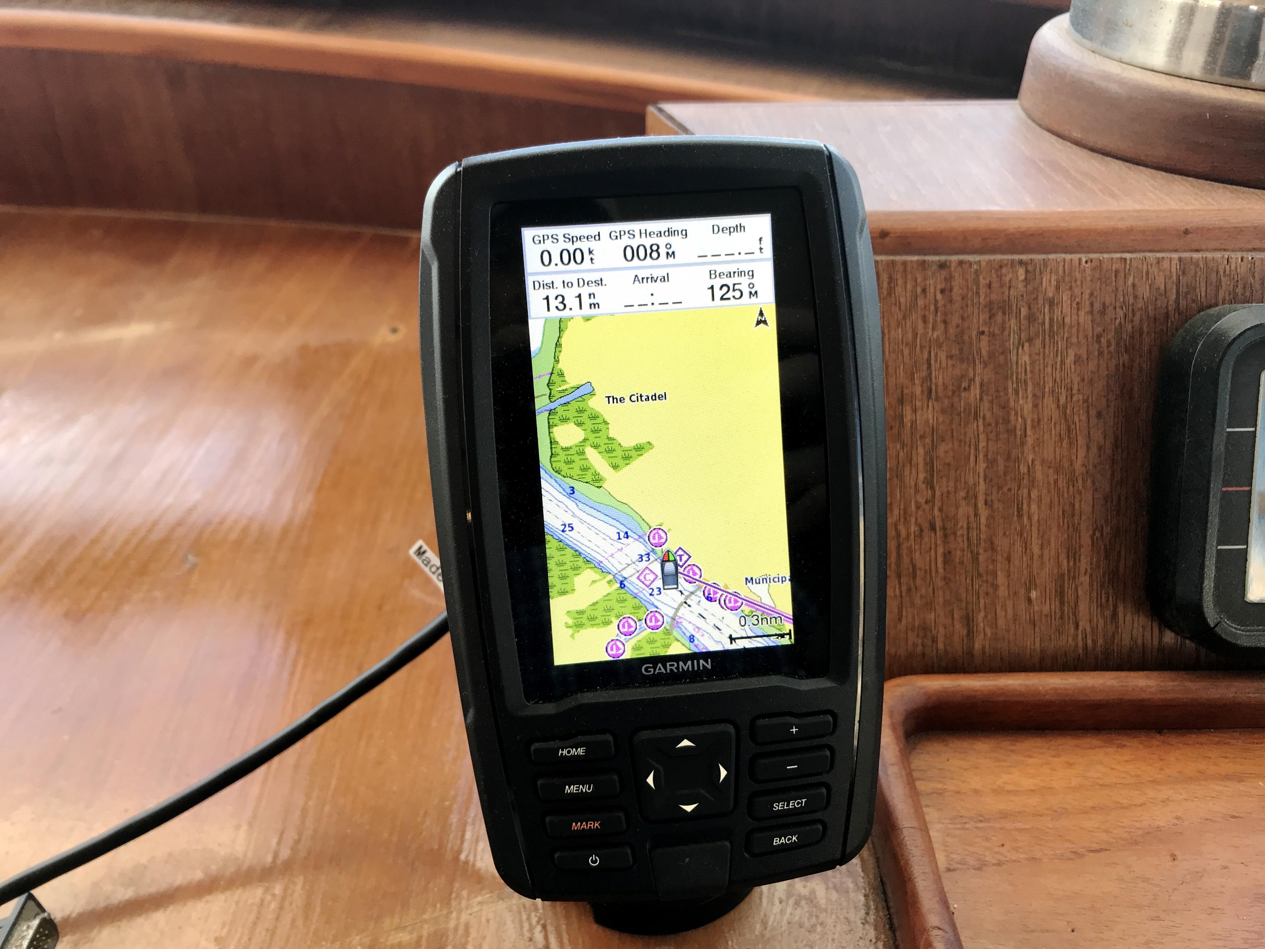 Sea Ranger SUNDECK - Garmin echoMap 44CV GPS