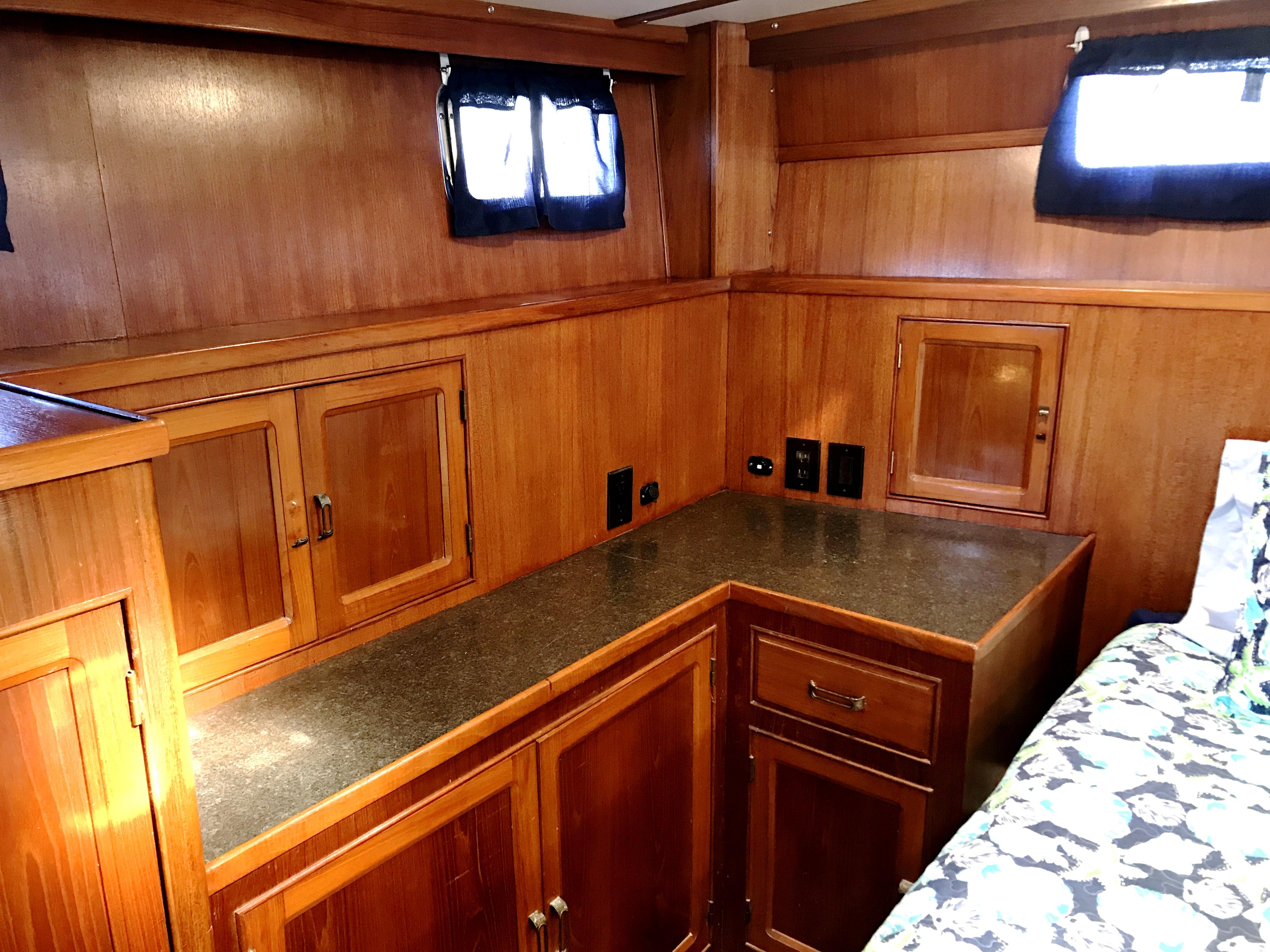 Sea Ranger SUNDECK - master stateroom starboard aft quarter