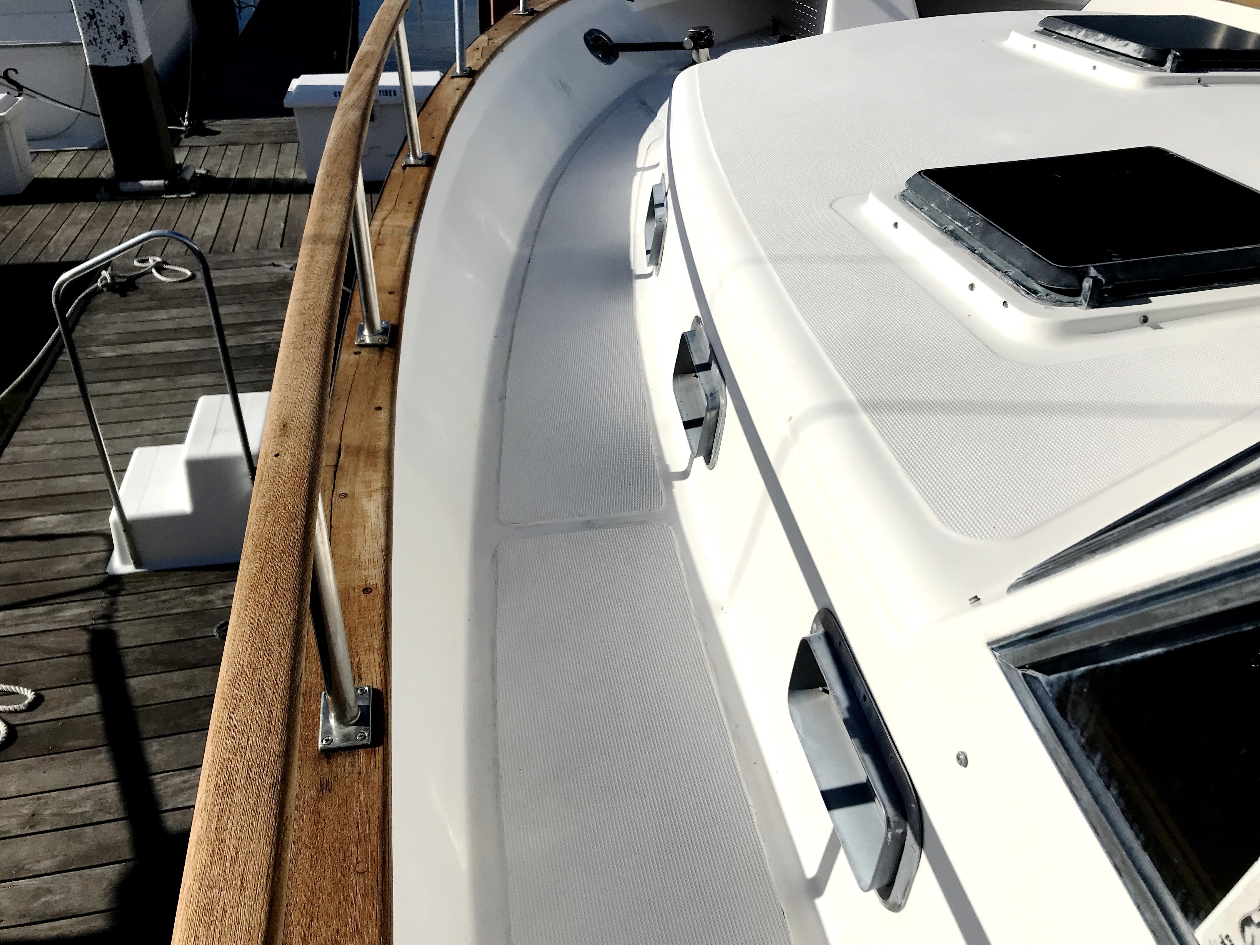 Sea Ranger SUNDECK - side decks Sea Ranger Sundeck MY