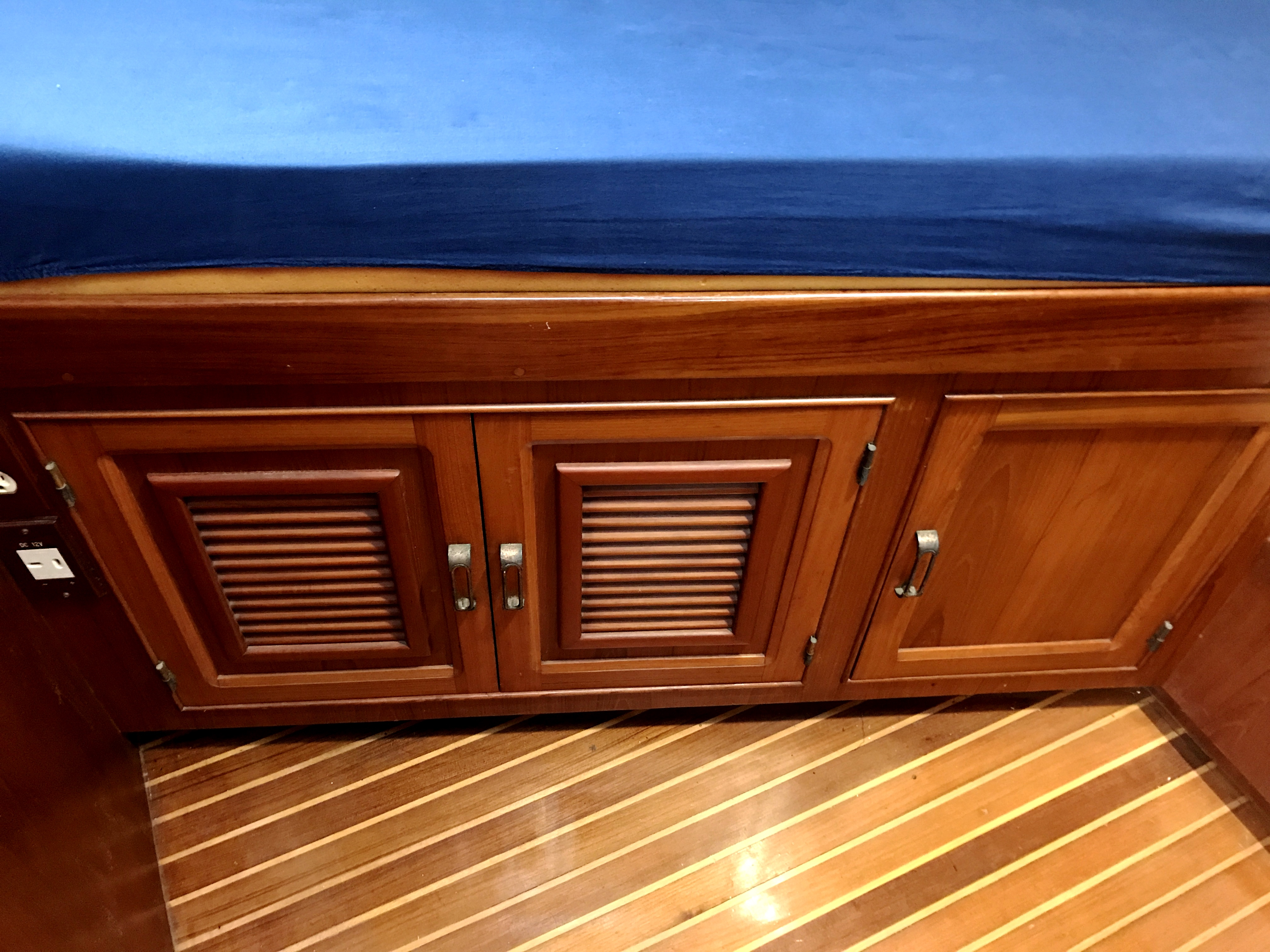 Sea Ranger SUNDECK - v-berth stowage and teak and holly sole