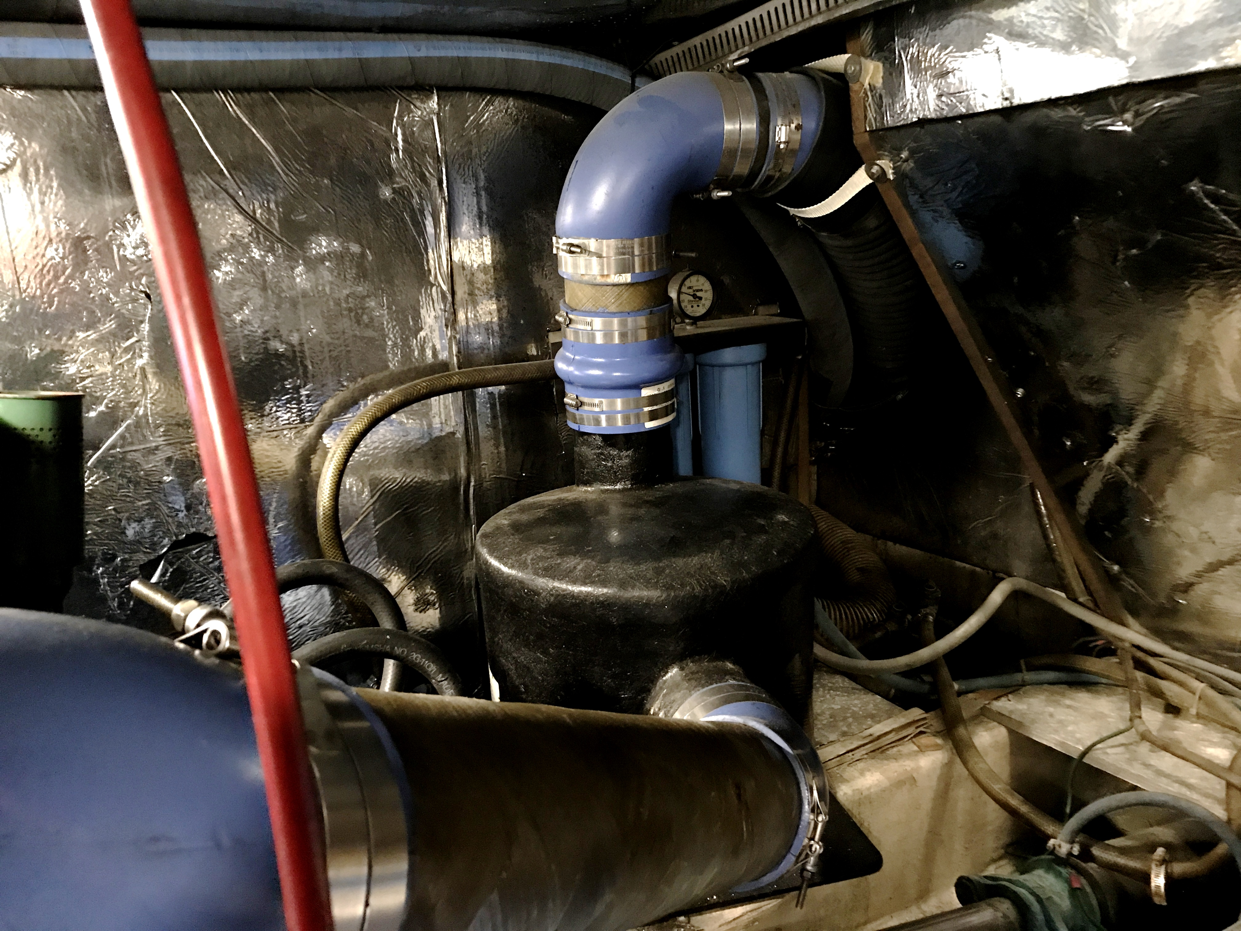 Sea Ranger SUNDECK - port exhaust