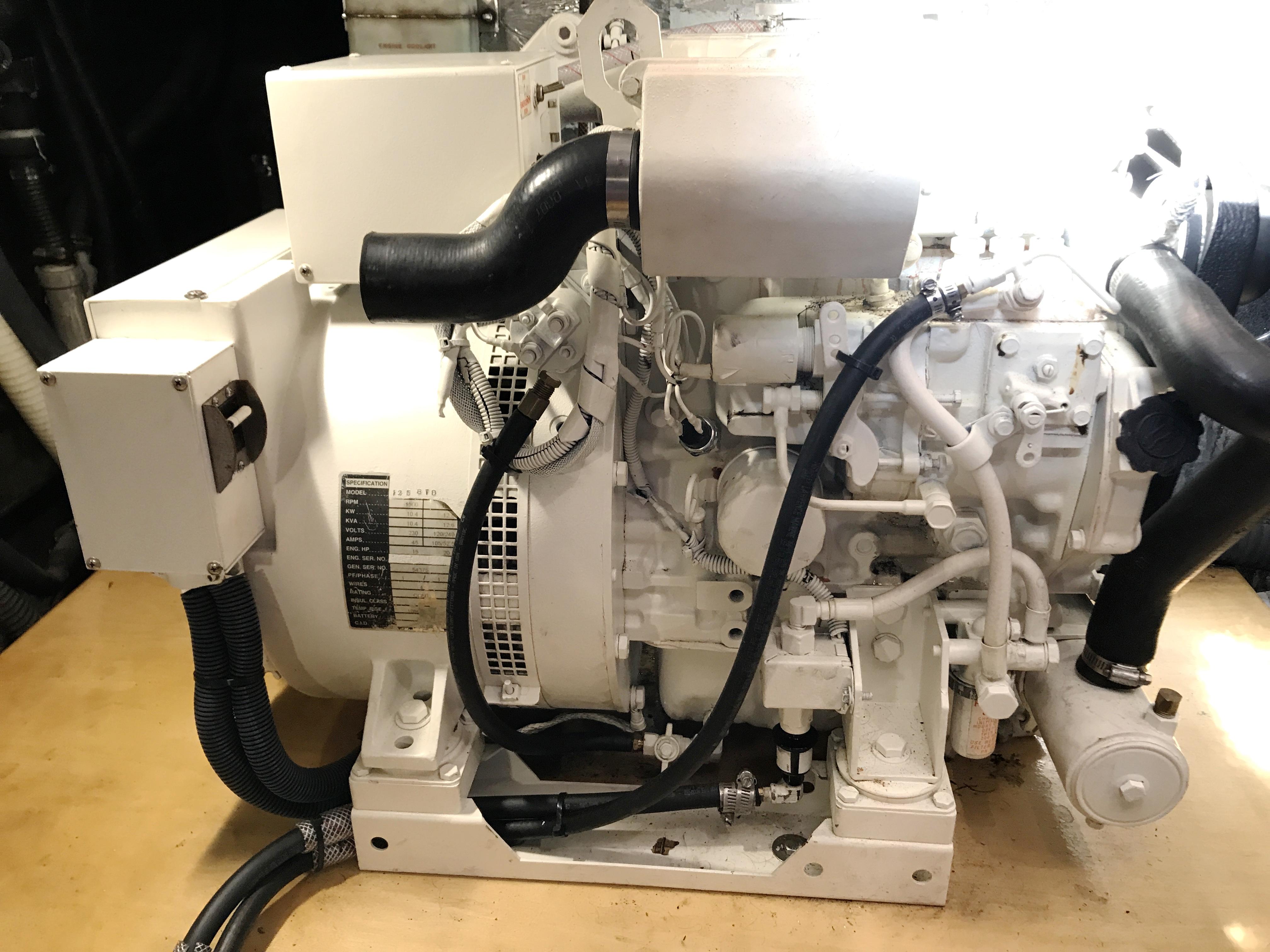 Sea Ranger SUNDECK - 10KW Westerbeke Generator