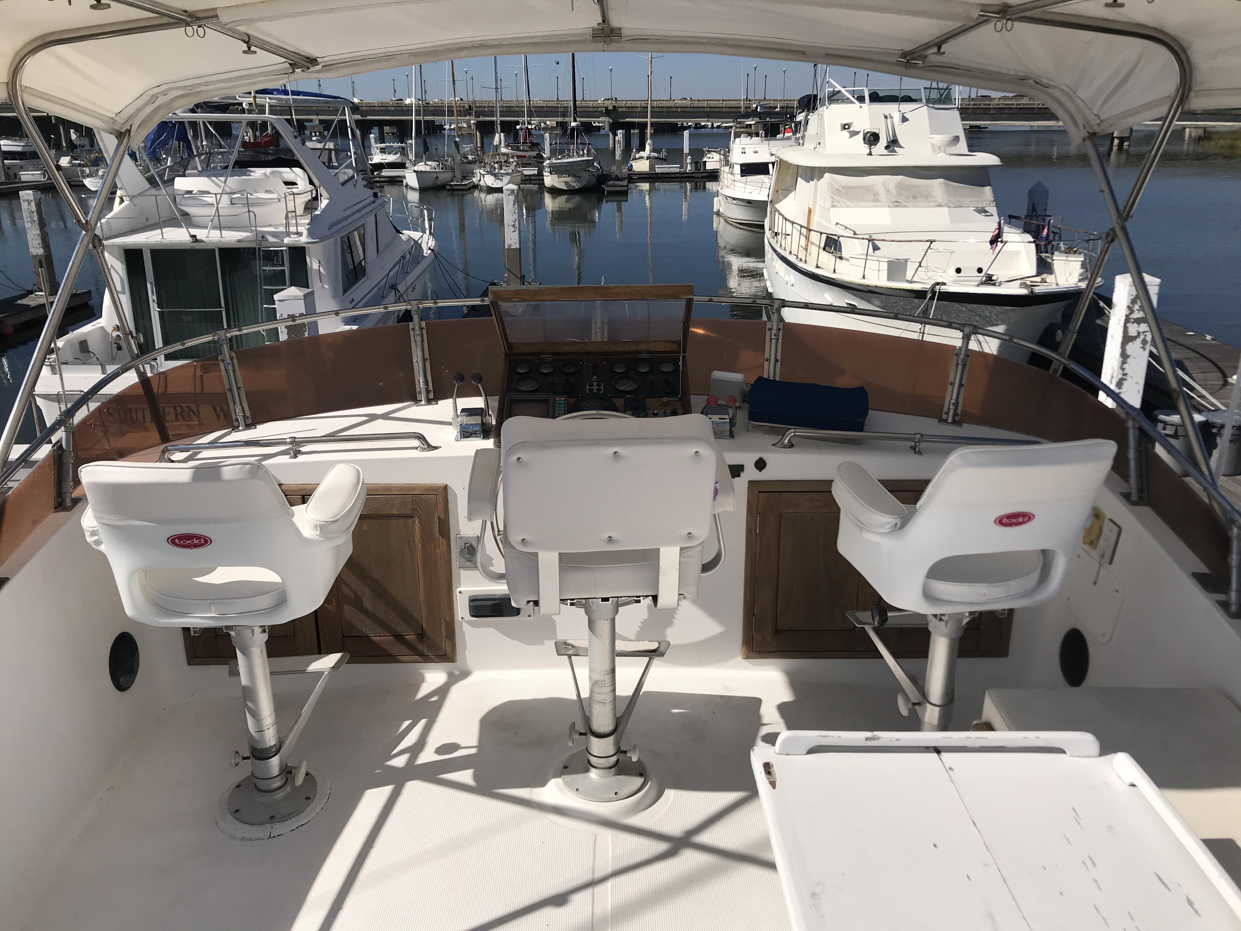 Sea Ranger SUNDECK - New Bridge chairs November 2019