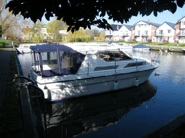 PART EXCHANGE POSSIBLE - 1981 Princess 30DS Cruiser with twin Volvo Penta ...