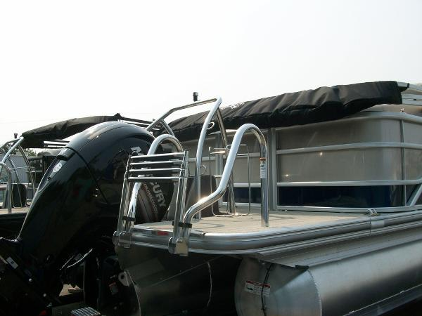 2019 Barletta boat for sale, model of the boat is L21Q & Image # 8 of 11
