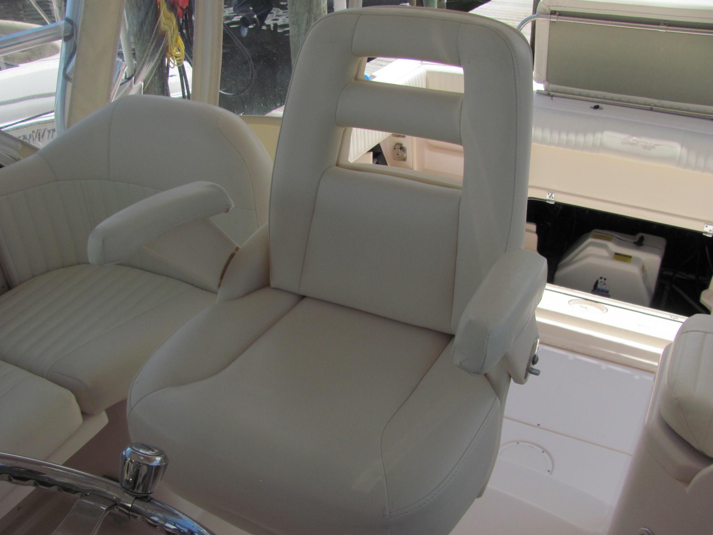 2007 Grady-White 305 Express