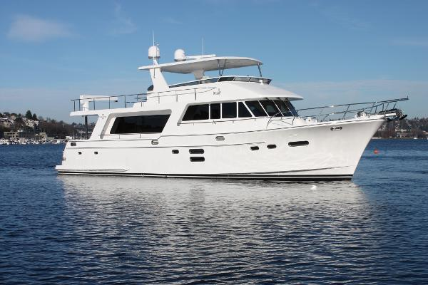 Picture Of:  65' Hampton 658 Endurance LRC 2020Yacht For Sale | 1 of 43