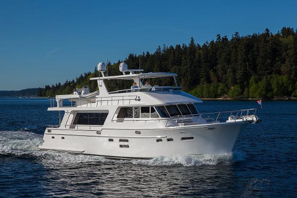 Picture Of:  65' Hampton 658 Endurance LRC 2020Yacht For Sale | 4 of 43