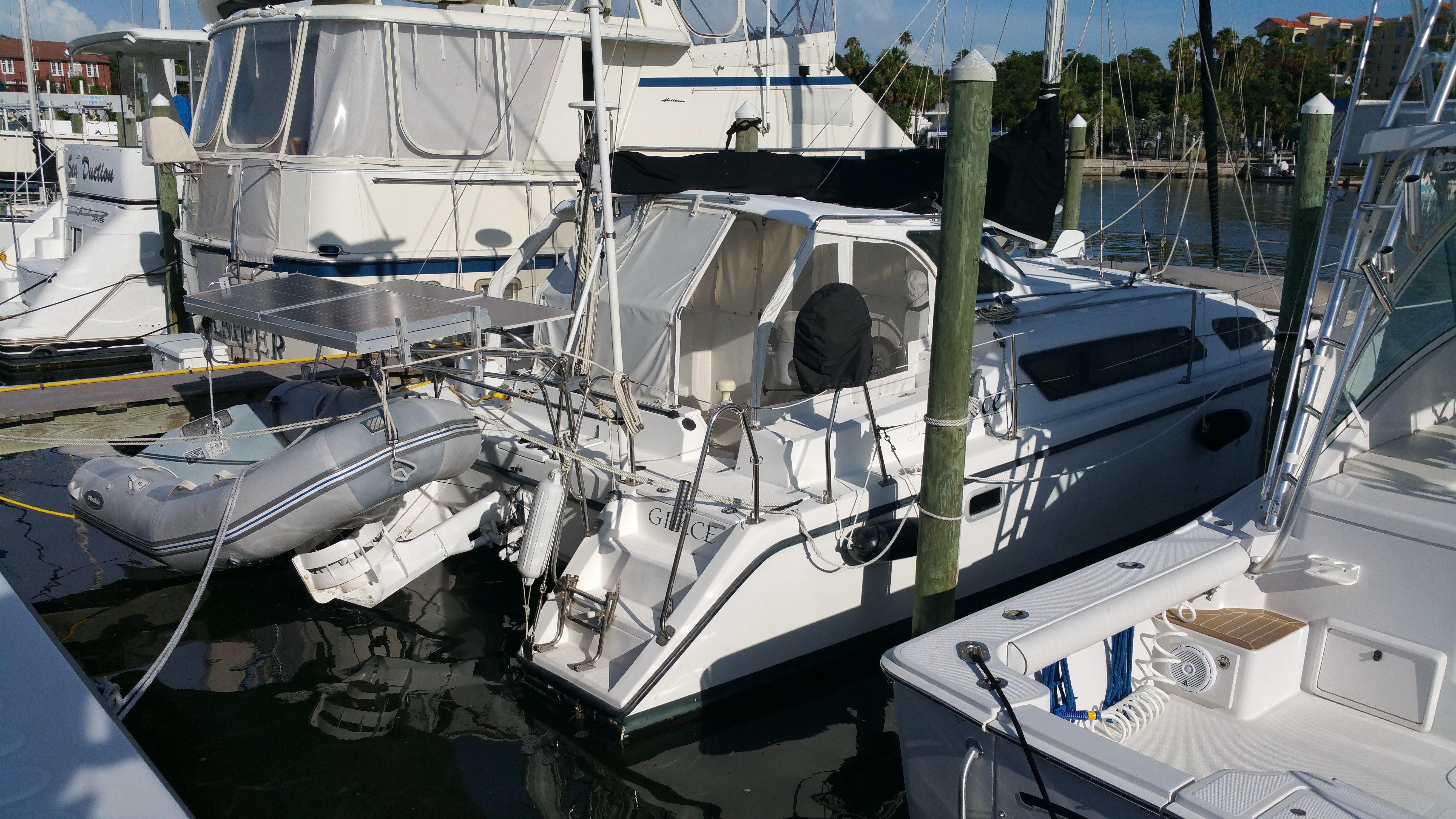 34' Performance Cruising 2002 Gemini 105Mc