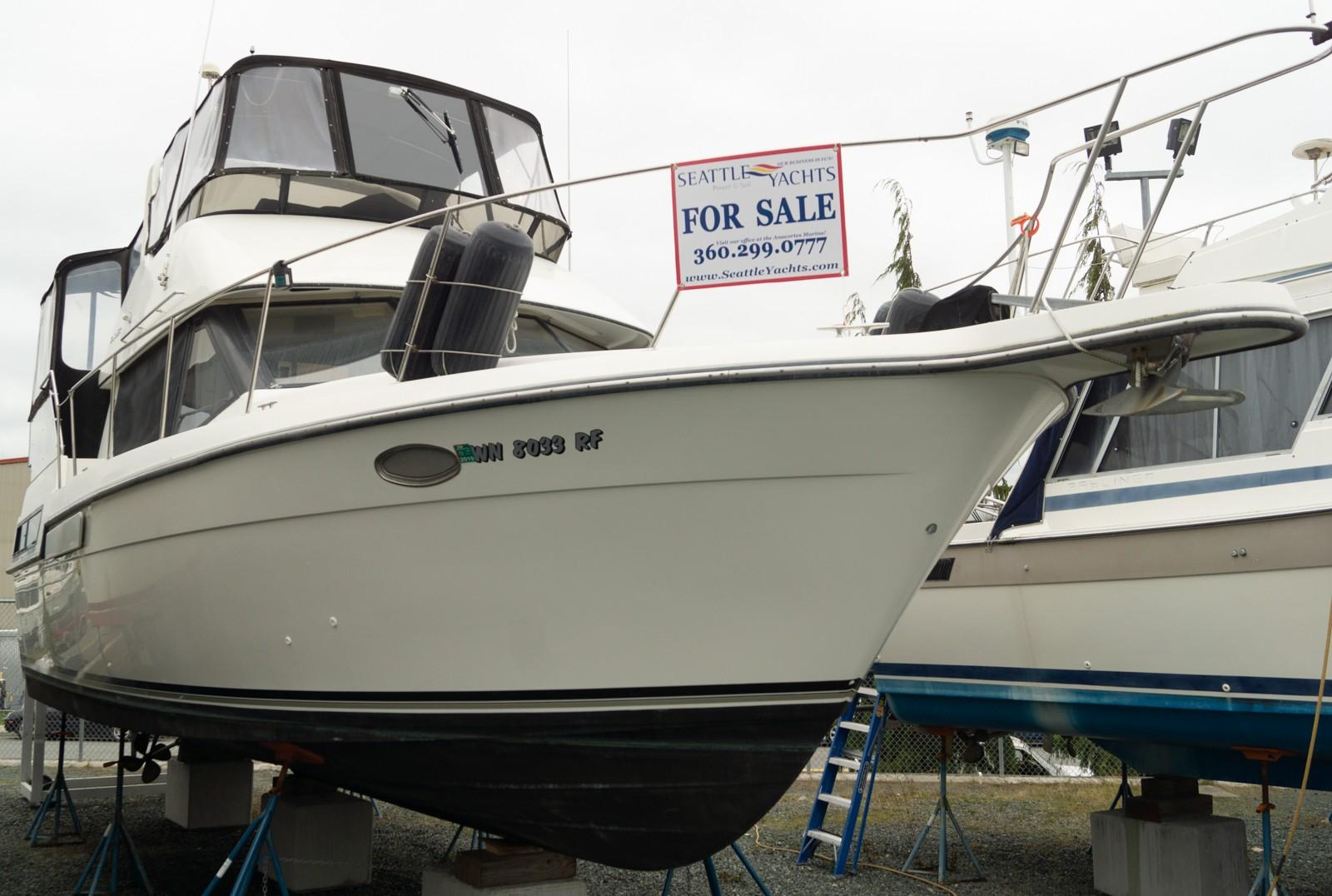 Picture Of:  35' Carver 35 Sundeck 1991Yacht For Sale | 17