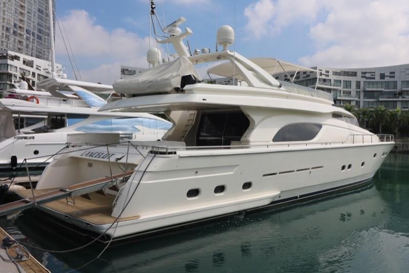 Ferretti 80 Starboard Aft