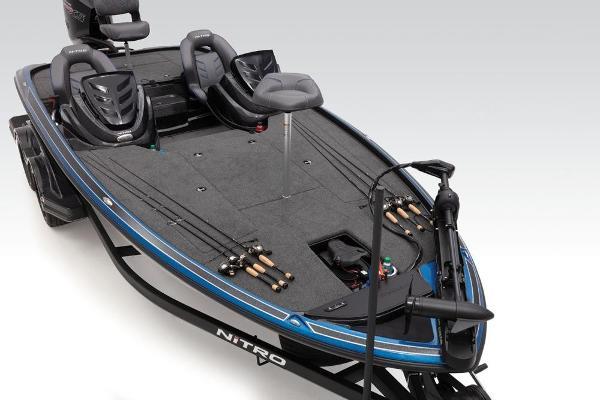 2019 Nitro boat for sale, model of the boat is Z20 & Image # 5 of 44