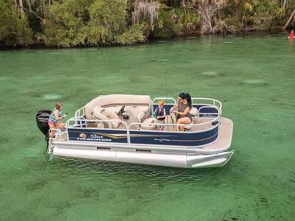 2021 Sun Tracker boat for sale, model of the boat is Bass Buggy® 16 XL & Image # 1 of 1