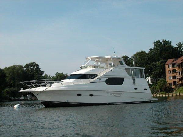 2003 Silverton 453  Motor Yacht Great Shape!