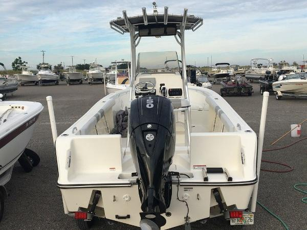 2018 Mako boat for sale, model of the boat is 214 & Image # 7 of 11