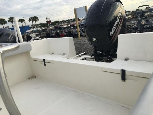 2018 Mako boat for sale, model of the boat is 214 & Image # 8 of 11