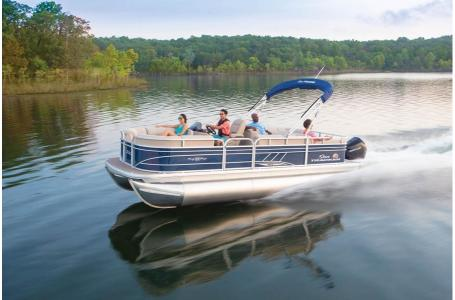 2020 Sun Tracker boat for sale, model of the boat is Signature Party Barge 22RF XP3 w/150L 4S & Image # 5 of 13
