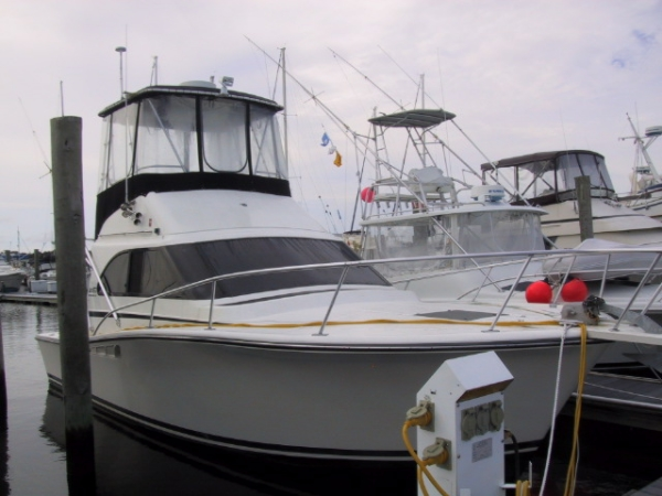 Luhrs Tournament Convertible Boats. Listing Number: M-3678462 32' Luhrs .