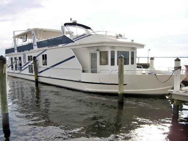 Fantasy 85' Coastal Yacht