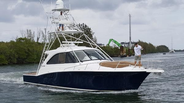 2012 44' Cabo 44 HTX