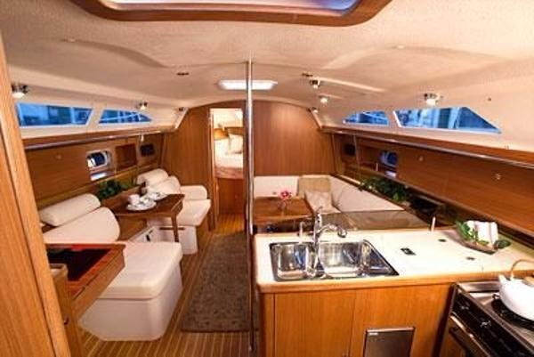 2011 Catalina Yachts boat for sale, model of the boat is 355 & Image # 4 of 11