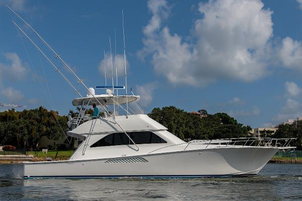2004 56' Viking 56 Convertible - Mezzanine