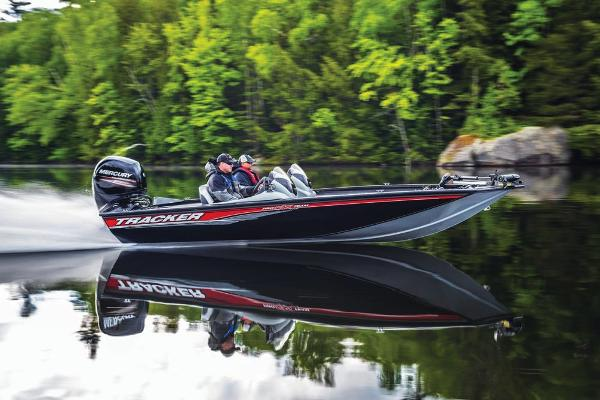 2017 Tracker Boats boat for sale, model of the boat is Pro Team 195 TXW & Image # 5 of 13
