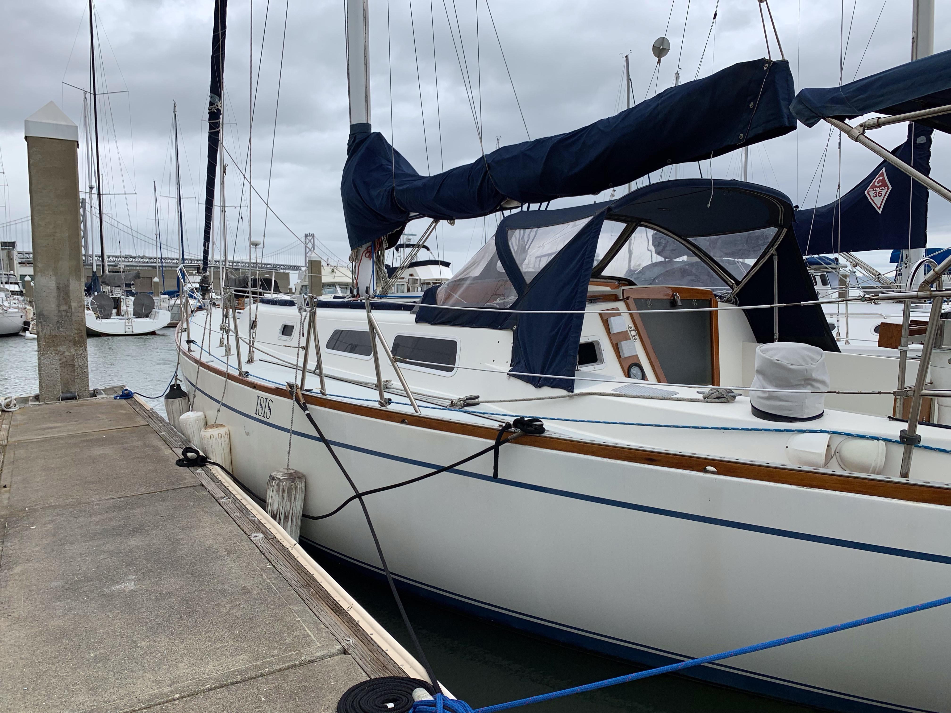 39' CAL 39 Yacht For Sale - Rubicon Yachts