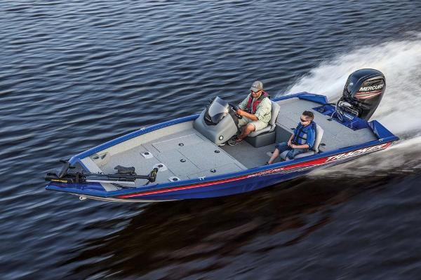 2017 Tracker Boats boat for sale, model of the boat is Pro Team 175 TF & Image # 3 of 15