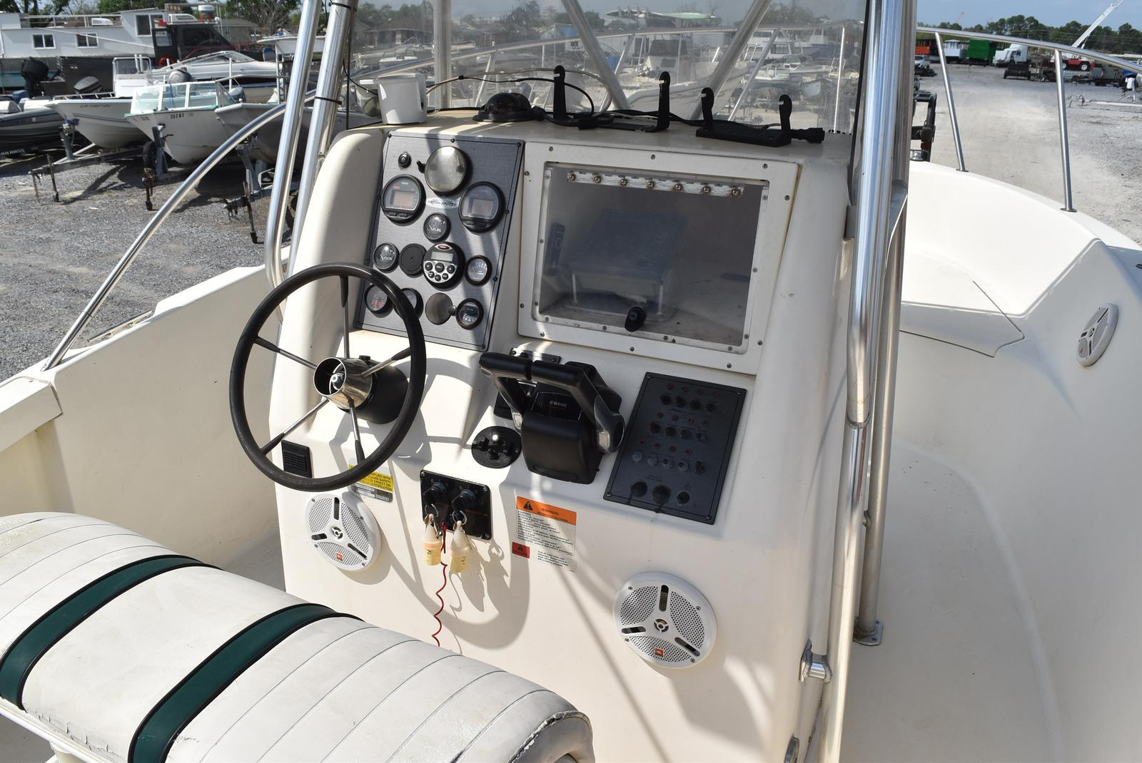 1999 Hydra-Sports boat for sale, model of the boat is 2650 & Image # 7 of 18