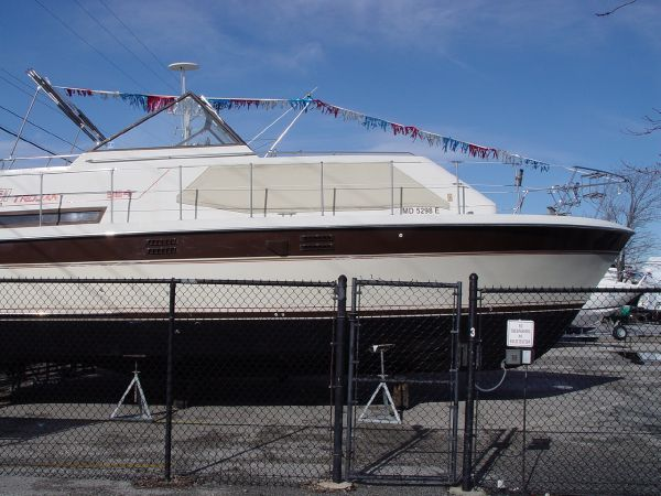 Trojan Tri Cabin Motoryacht Motor Yachts. Listing Number: M-3827563
