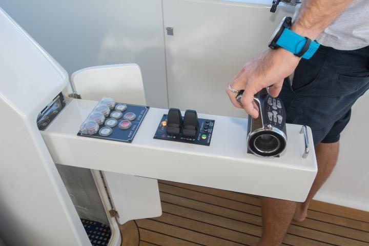 Aft controls -starboard side