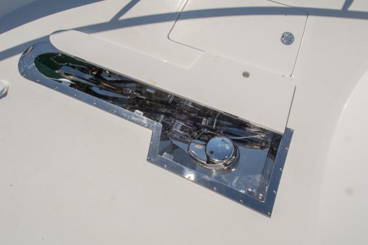 Windlass w/ deck cover