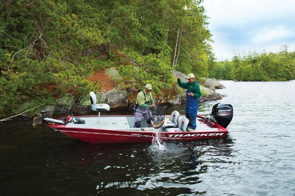 2017 Tracker Boats boat for sale, model of the boat is Pro 170 & Image # 7 of 36