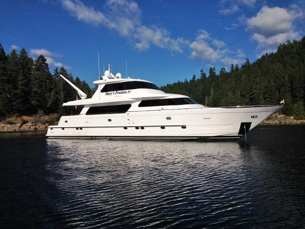 Picture Of:  92' Horizon Skylounge Cockpit Motor Yacht 2003Yacht For Sale | 1 of 34