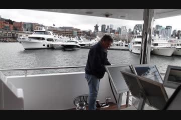Horizon Skylounge Cockpit Motor Yachtvideo