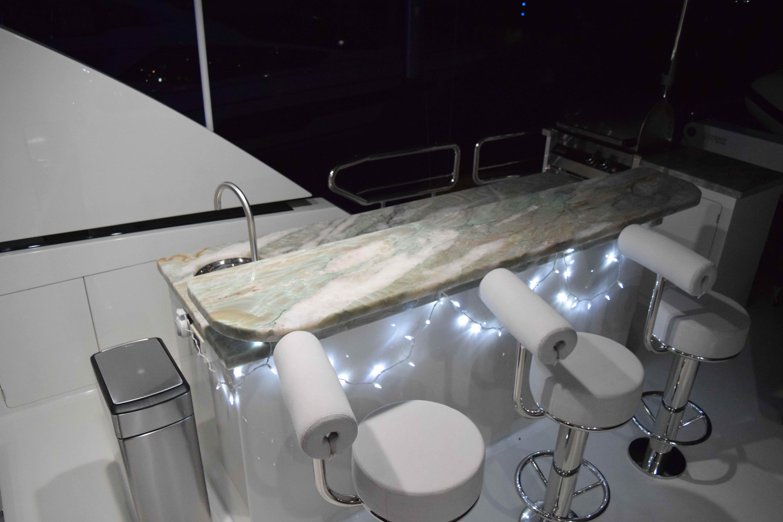 100 Ocean Alexander boat deck bar