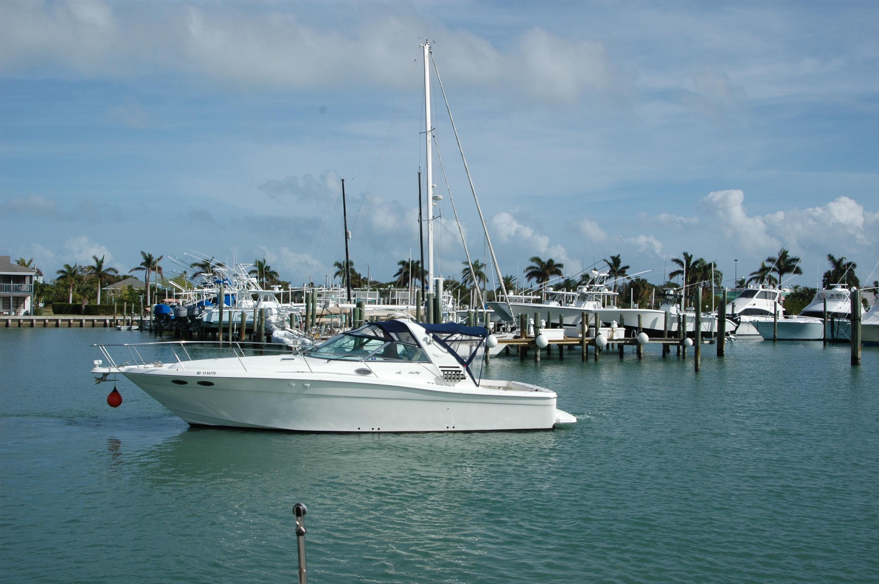 Sea Ray 37' Express Cruiser